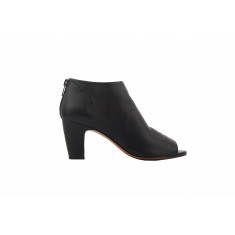 Simona bootie in black
