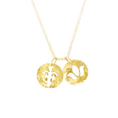 Disc charm necklace in 18 kt yellow gold plate