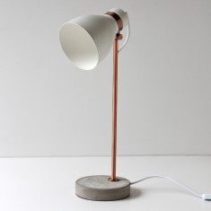 Osca design table lamp in white