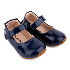 Mary-Jane shoes in patent navy