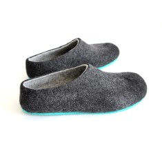 Men's Felt Slippers in Charcoal Black