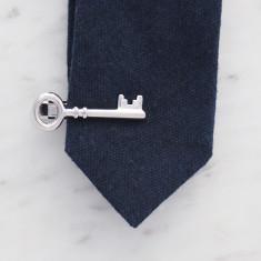 Skeleton Key tie bar in silver