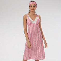 Very lacey nightie in Pink Solero print