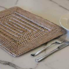 Rattan placemats in white open weave (set of 6)
