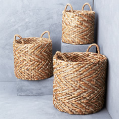 Natural Chevron Waterhyacinth Basket with Seagrass Pat