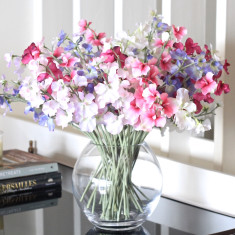 Sweet peas bouquet