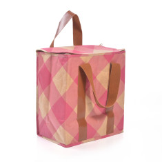 Insulated picnic bag in gingham print