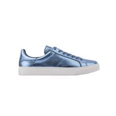 Dixie Luxe Sneaker in Metallic Blue