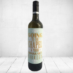 Going to the chapel and you're gonna get married - Large Greeting card for wine