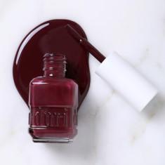 Nail polish in Mini Dress