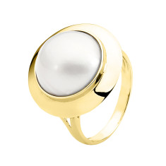 White mabe pearl 9ct yellow gold ring