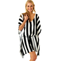 Ici Et La Kaftan in Black & White