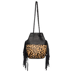 One woman genuine leather bucket bag