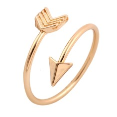 Arrow ring in gold