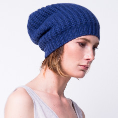 Chunky knit slouchy beanie in cobalt blue