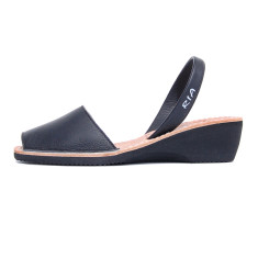 Merla leather sandals in black