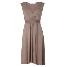 Capped sleeve jersey dress in nutmeg