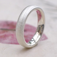 Comfort Fit Silver Ring with Spun Silk Finish