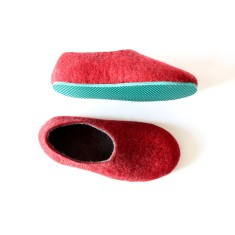 Women's felted slippers in red (various sole colours)