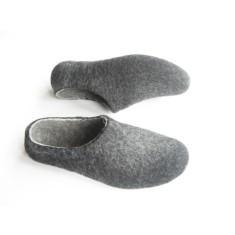 Women's felt slippers in charcoal