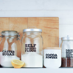 Really useful pantry labels for flour, salt & sugar