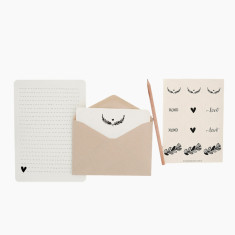 An April Idea wreath writing set