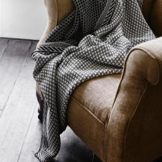 Grid organic cotton throw
