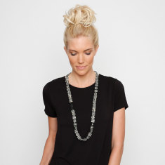 Mod squad striped shift necklace mono