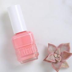 Nail polish in Hawaiian Honeymoon
