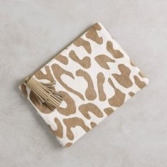 Masai mara clutch in Almond Big Leopard