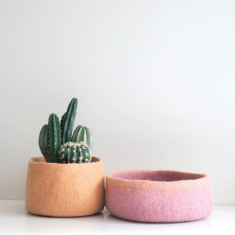 Catch all felt bowl (pink and turquoise)