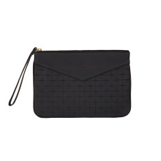 Lena clutch in black rubik leather