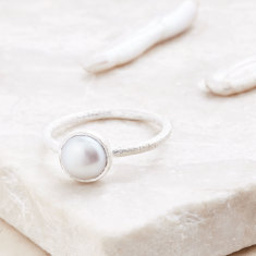 Cupcake Smaller Ring In Silver With Pearl