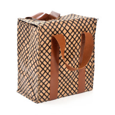 Large insulated picnic bag in grid print