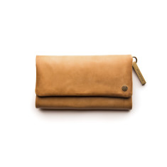 Paiget Classic Collection wallet in caramel