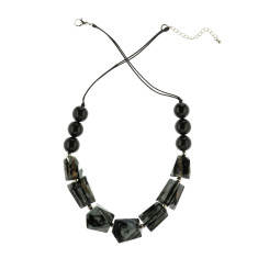 Eloquence short chunk necklace in black