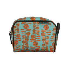 Tamelia Berries makeup bag