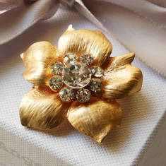 Vintage Style Buttercup Brooch