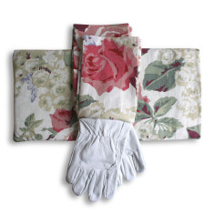 Gardener's kneeling pad & gloves in Monaco Pinky