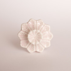 Zoe knob/drawer pull in white