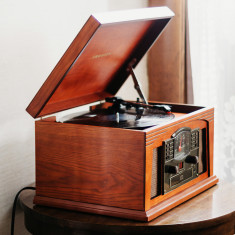 Crosley Lancaster Turntable With Bluetooth In