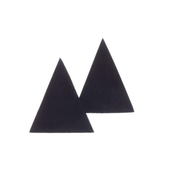 BLK TRIANGLE STUDS