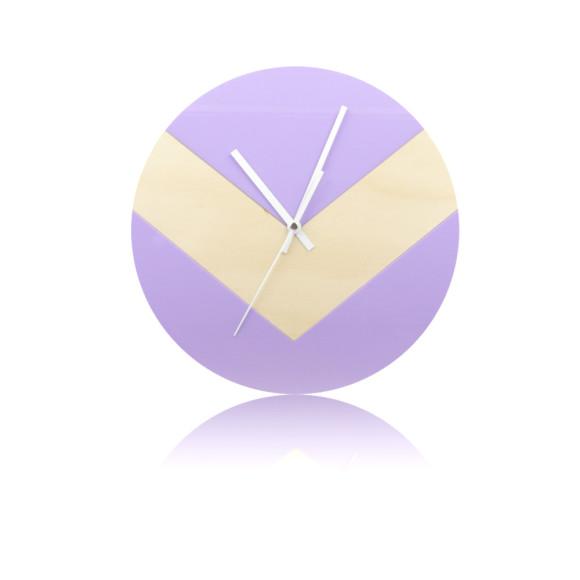 Reverse V clock in lilac