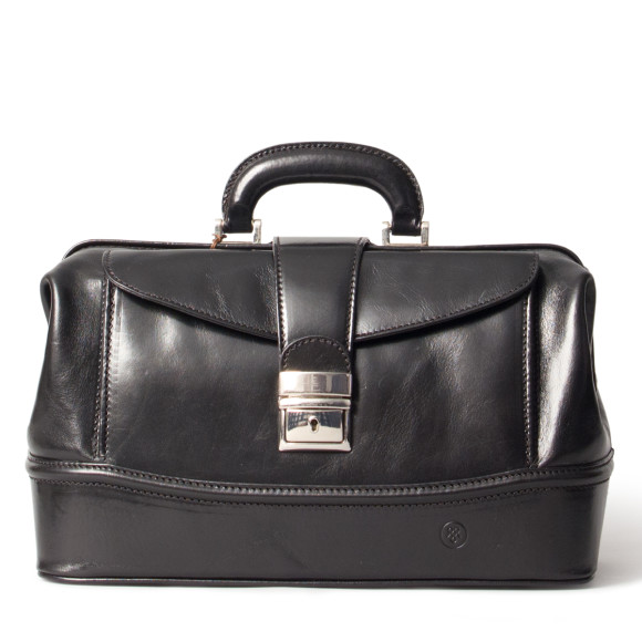 The DonniniS leather doctors bag in night black.