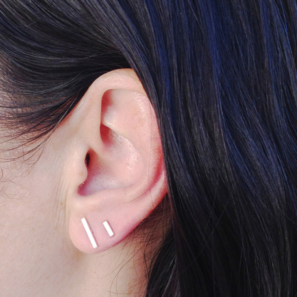 Mismatched Bar Studs Earrings model