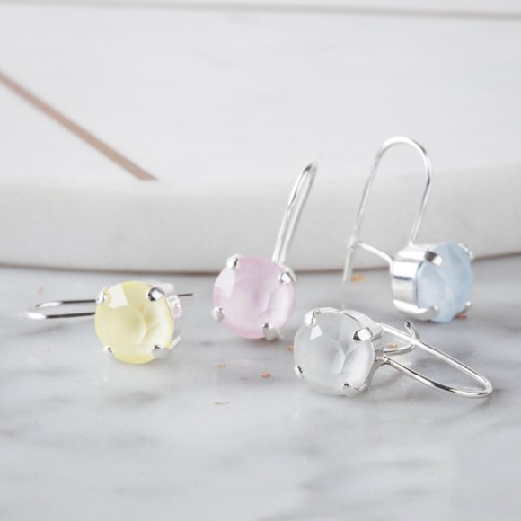 Small drop earrings made with Swarovksi Crystals
