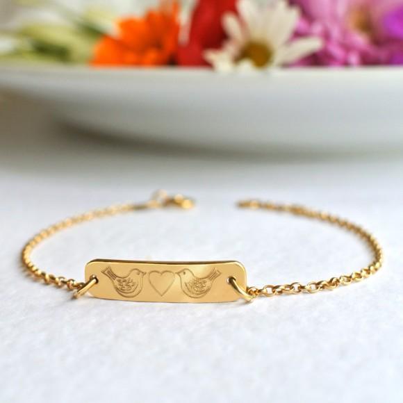 Front of bracelet