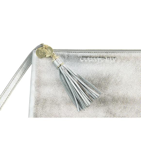 The Mia pouch in silver