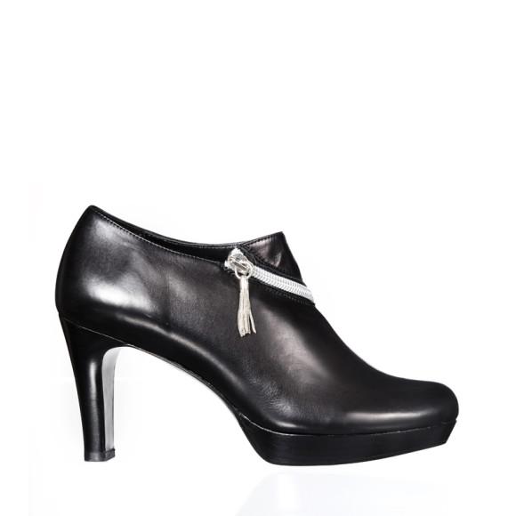 Dietrich heels