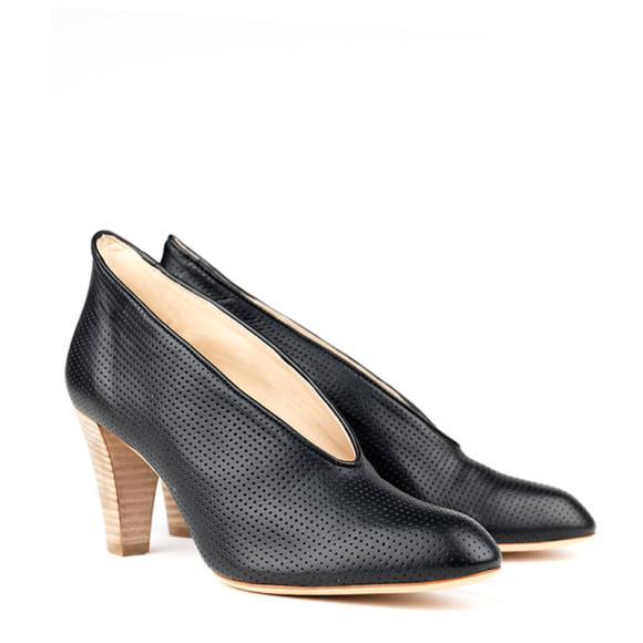 Pinot heels